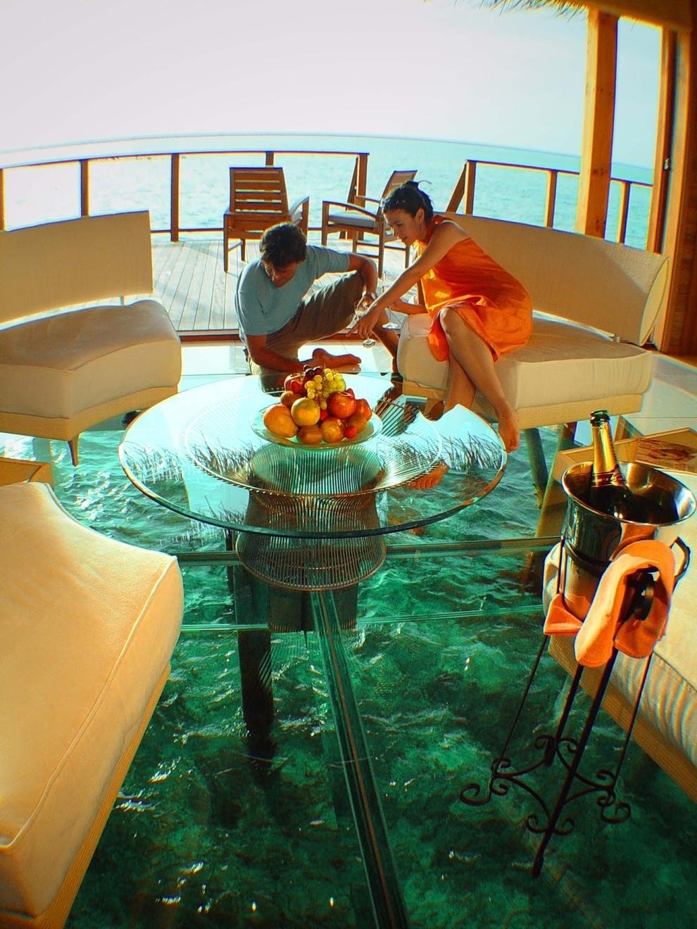 chão de vidro - quarto hotel Bora Bora